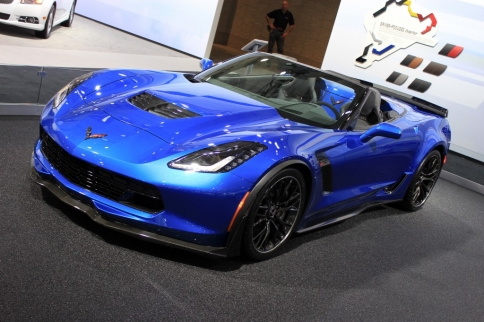 2015 Z06 Coupe and Convertible Side-by-Side