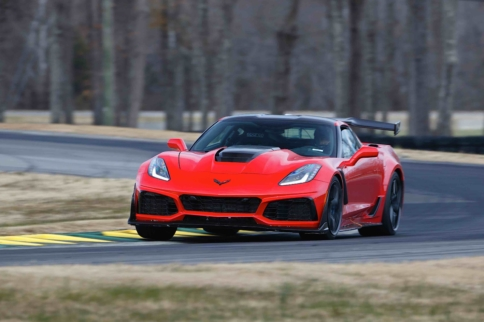 2019 Corvette ZR1 Sets New Production-Car Record At VIR